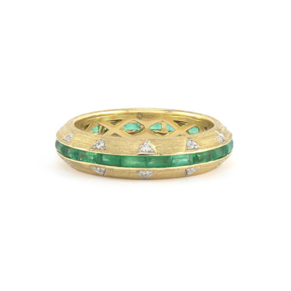 Lisse Ring with Green Tourmaline and Diamond Accent